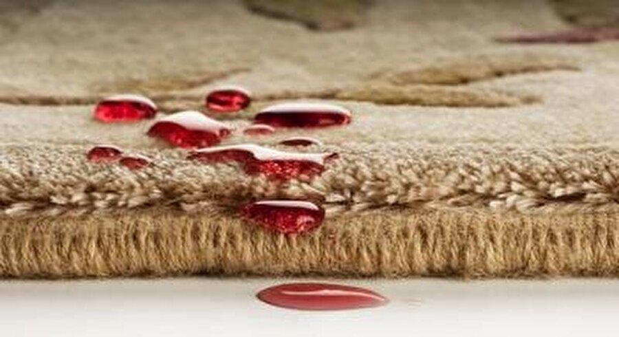 Lekeleri bırakın onlar temizlesin                                                                                                                                                                                          Tekstil endüstrisi, nanoteknoloji devrimiyle birlikte yeni bir döneme girmiş bulunuyor. Nanoteknolojik malzemeler kullanılarak daha önce hayal bile edemediğimiz, çok çeşitli fonksiyonlara sahip kumaşlar elde edilmekte. Üzerinize bir bardak meyve suyu dökülen pantolonunuzun suyu itme özelliği, kirlenmesine engel olmaktadır. Buna kim hayır diyebilir ki?