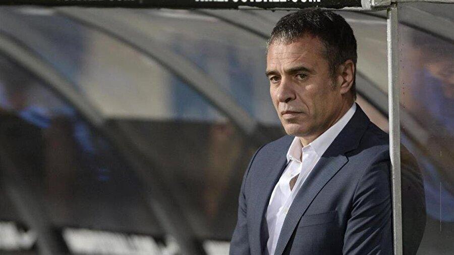Sezon başında iş başı İki yıllık mukavele imzalayan Yanal, 2016-2017 sezonu için 1.450.000 euro ve 2017-2018 sezonu için 1.800.000 euro alacak.