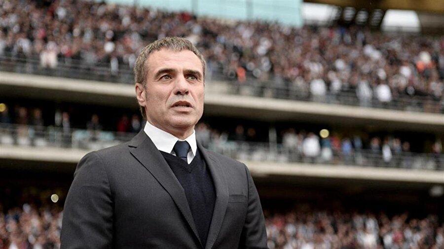 Yorumculuk yaptı Trabzonspor'dan ayrıldıktan sonra 2015-2016 sezonunda takım çalıştırmayan Ersun Yanal, futbol yorumculuğu yaptı.