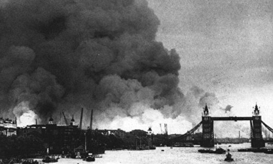 1944 oyunları iptal                                                                                                                1944 yılında Londra'da yapılması beklenen Olimpiyat Oyunları da İkinci Dünya Savaşı nedeniyle iptal edildi.
