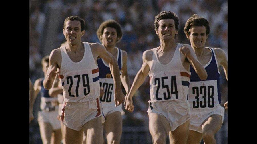 """Tarihin en vasat olimpiyatı                                                                                                                1980 Yaz Olimpiyatları, o dönemki Sovyetler Birliği'nin başkenti Moskova'da yapıldı. 1980 Olimpiyatları'na Japonya, Batı Almanya ve ABD gibi ülkeler katılmadı. Sovyetler Birliği'nin Afganistan'ı işgal etmesini protesto etmek için birçok ülke oyunlara katılmadı ancak söz konusu organizasyonda 36 dünya rekoru kırıldı. Moskova Olimpiyatları için duayenler, """"Tarihin en vasat olimpiyatıydı"""" yorumunu yapıyor. Öte yandan Moskova Olimpiyatları Doğu Avrupa'da düzenlenmiş ilk olimpiyat oyunudur. Oyunları ev sahibi SSCB kazandı."""