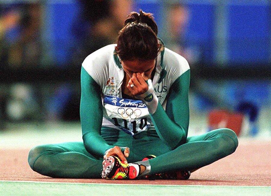 Türkiye'den 5 madalya                                                                                                                2000 Yaz Olimpiyatları, Yeni Milenyum Oyunları olarak da anıldı. 27.Olimpiyat Oyunları Avustralya'nın Sidney kentinde yapıldı. 6.6 milyar Avustralya Doları harcanan şampiyonayı ABD kazandı. Türkiye ise 3 altın ve 2 bronz madalya ile oyunları tamamladı.