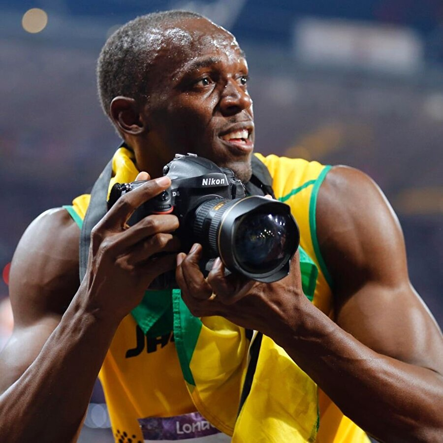 10 gün geç doğdu                                                                                                                                                     Normale göre dünyaya 10 gün geç gelen Bolt, bu nedenle ailesini endişelendirdi. Ancak doktorlar, minik Bolt'un yeni doğmuş bir bebeğe oranla gayet güçlü olduğunu ailesine açıkladı.