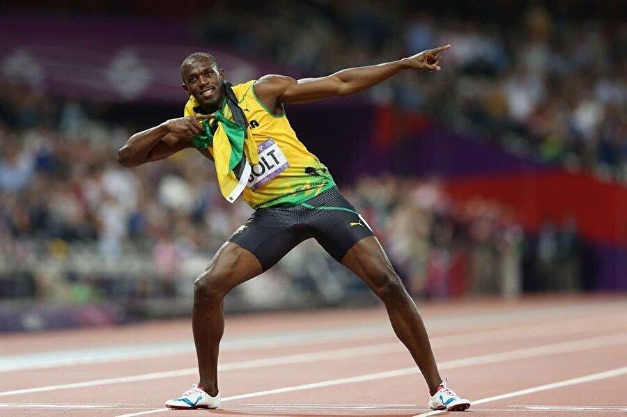Osaka'da gümüş madalya                                                                                                                                                      2007'de Osaka'da düzenlenen Dünya Atletizm Şampiyonası'nda Bolt; 200 metrede Tyson Gay'in ardından 19,91 ile gümüş madalya kazandı.