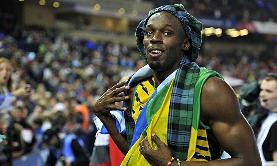 Olimpiyatta rekorlar kırdı                                                                                                                2008 Pekin Olimpiyatları'nda, 100 m ve 200 m yarışlarında dünya rekoru kıran Bolt, oyunları 3 altın madalya ile tamamladı.