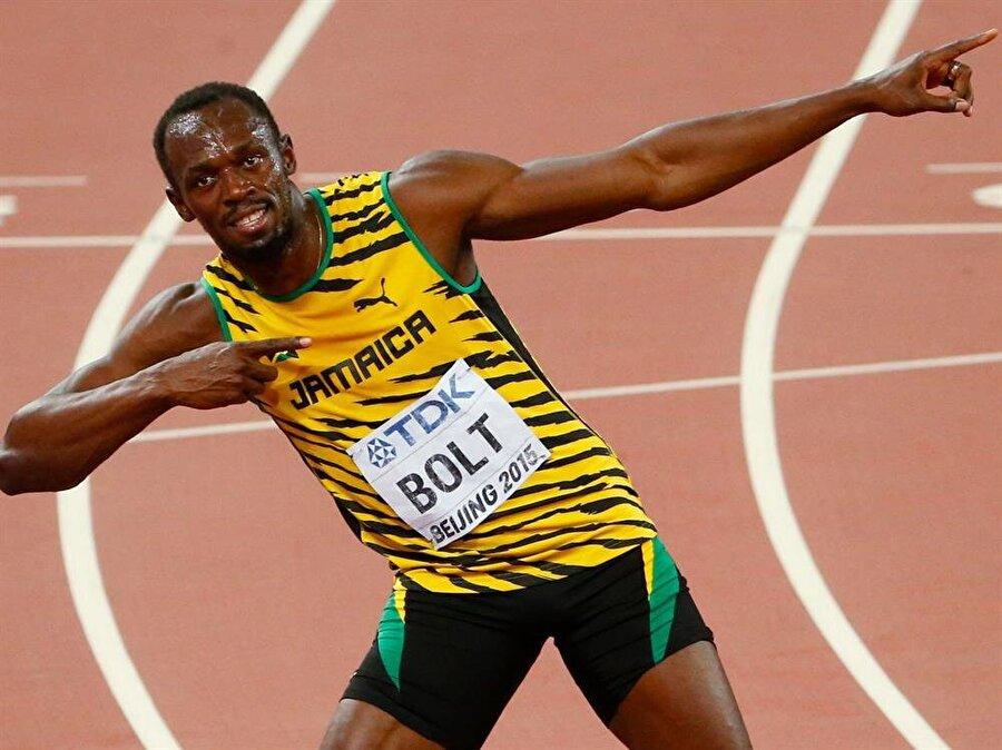 'Yıldırım Bolt'                                                                                                                                                     Her geçen gün elde ettiği başarılarla tanınmaya başlanan Bolt'a medya 'Yıldırım Bolt' lakabını taktı.
