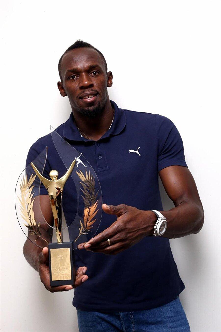 L'Équipe'den ödül                                                                                                                                                     Fransız L'Équipe Gazetesi ise Bolt'u 2008, 2009, 2012 ve 2015 yıllarında en başarılı sporcu olarak seçti.