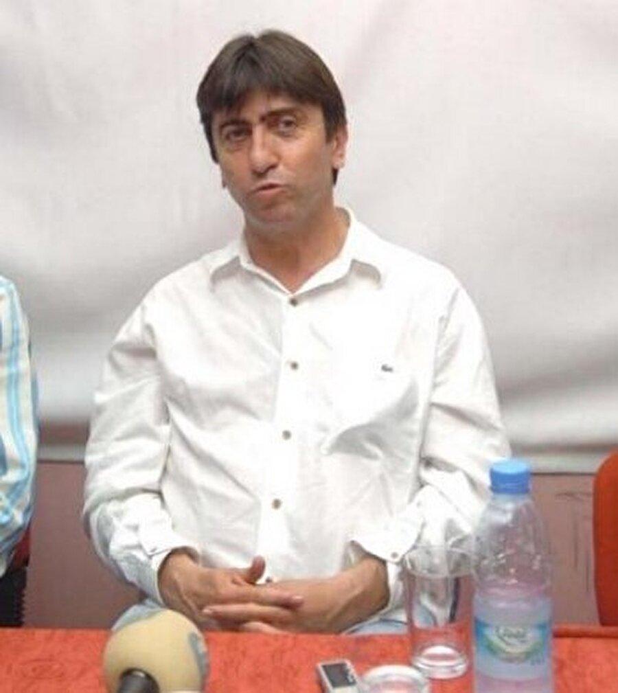 Vanspor şampiyon oldu                                      Futboldan kopamayan Rıdvan Dilmen, 1998-1999 sezonunda Vanspor'u çalıştırdı. Dilmen'li Vanspor o dönemki ismiyle 1. Lig'e yükseldi.