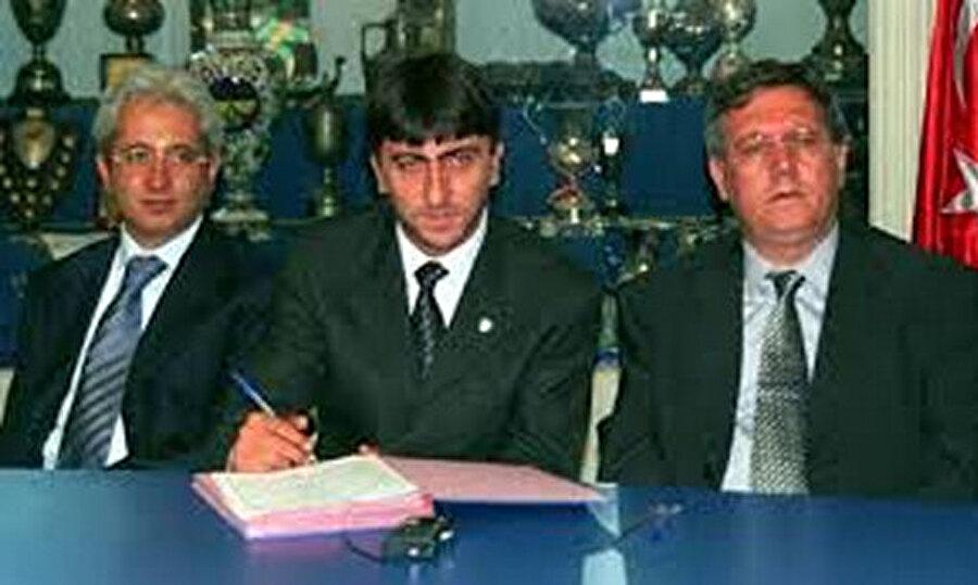 Fenerbahçe'ye döndü                                      Dilmen'in başarısının ardından 1999 yılında deneyimli futbol adamı Fenerbahçe teknik direktörlüğü görevine getirildi.