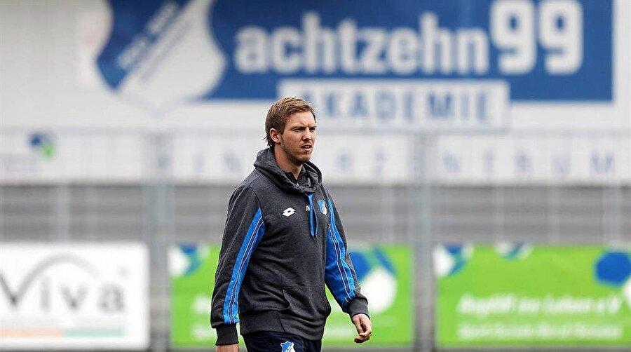 """Kimse şans vermedi Genç teknik adam göreve geldiğinde futbol otoritelerinin büyük bir kısmı """"Nagelsmann, takımdaki bazı futbolculardan yaş olarak daha küçük, bu sorun oluşturabilir. Deneyimi olmayan bir teknik direktöre bu sorumluluk verilmemeli"""" yorumları yapmıştı."""