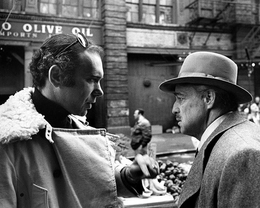 1979 yılında ise tekrar Francis Ford Coppola çalıştı ve Apocalypse Now adlı savaş filminde başrol oynadı. Bu roldeki performansını akademi üyeleri yok saydı. 8 dalda Oscar'a aday gösterilen filmde Brando bir adaylık alamadı.