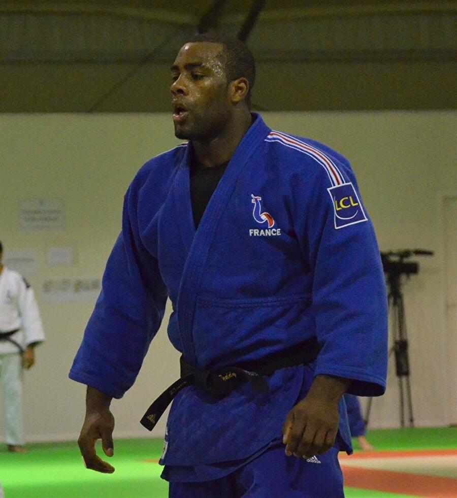 2006'da şampiyon oldu Riner, 2006'da ise Avrupa Gençler Şampiyonası'nda altın madalya kazandı.