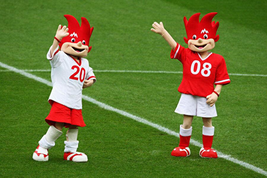 Trix ve Flix 2008 Avrupa Futbol Şampiyonası'na Avusturya ile İsviçre birlikte ev sahipliği yaptı. Bu nedenle turnuva için iki maskot belirlendi. Trix ve Flix'in maskotu olduğu turnuvada şampiyonluğa İspanya ulaştı.