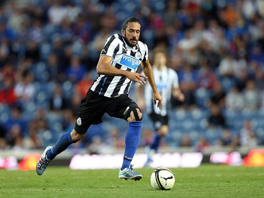 Jonas Gutierrez                                      Arjantinli Jonas Gutierrez, 2014 yılında Newcastle United'da forma giydiği dönemde kanser olduğunu öğrendi. Tedavisine ülkesinde devam eden ve 50 gün kemoterapi gören Gutierrez, 2 ay sonra sahalara döndü. Başarılı futbolcu, 14 Ocak 2015'te Newcastle U-21 takımıyla maça çıktı ve gol atarak müthiş bir geri dönüşe imza attı. 2015-2016 sezonu başında İspanya'nın Deportivo ekibine transfer olan Gutierrez, ligi 16 maç 1 asistle tamamladı.