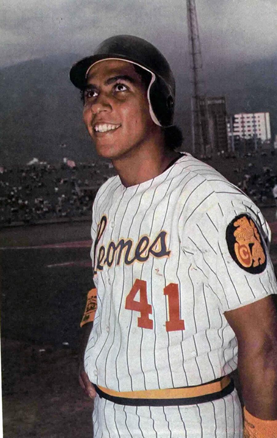 Andres Galarraga                                      18 Haziran 1961 doğumlu beyzbolcu Andrés Galarraga'ya 1999'da kanser teşhisi konuldu. Venezuelalı sporcu hastalığı 9 ayda atlattı.