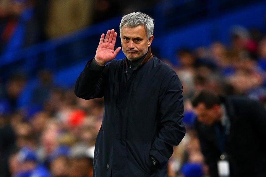 İkinci Chelsea dönemi Portekizli teknik adam, 3 Haziran 2013 tarihinde Chelsea ile 4 yıllık sözleşme imzaladı.