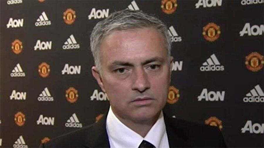 """'Her zaman bir yakınlık hissettim"""" Manchester United ile üç yıllık sözleşme imzalayan Portekizli """"Manchester United, dünyada tanınan ve gıpta edilen bir kulüp. Başka kulüplerde olmayan hünerleri ve hikayeleri var. Old Trafford ile aramda her zaman bir yakınlık hissettim"""" dedi."""