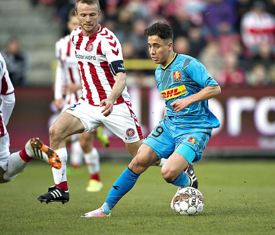 İlk sınavı Randers'a karşı 28 Kasım 2015 tarihinde oynanan FC Nordsjælland-Randers maçının 84. dakikasında oyuna giren Emre, profesyonel futbolculuk hayatına adım attı.