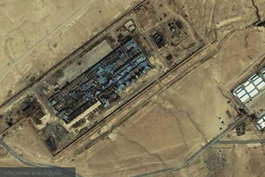 Tuz Çukuru, Afganistan En acımasız uygulamaların yapıldığı iddia edilen hapishanelerden biri. Kabil'e yakın bir yerdeki eski tuğla fabrikasının CIA tarafından 2002 yılında yenilenip hapishaneye çevrilmesiyle oluşmuştur. Basında yer alan haberlere göre burada 'çok sert' sorgulamalar uygulanmıştır.    2012 yılında The Daily Beast'te yer alan haberde burası ağır işkencelerin yapıldığı ve ölüm oranının yüksek olduğu bir hapishane olarak nitelendirilmiştir.    Haberde 2002 yılında orada sorgulanan Gul Rahman isimli bir şahsın soyulup dövüldükten sonra soğuk bir gecede yere zincirlenerek ölüme terk edildiği iddia ve buna karşı açılan davada kimsenin suçlu bulunmadığı hatta, orada bulunduğu söylenen kişilerden birinin 2,500 dolar başarı ödülü aldığı iddia edilmiş.