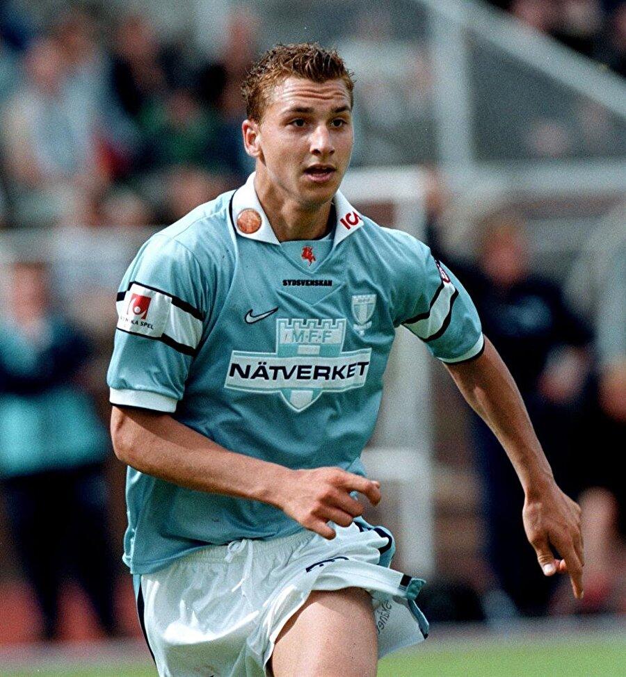 Göçmen takımında oynadı                                                                           Sürekli olarak kavga çıkaran ve hırsızlıklar da yapan İbrahimovic'in forma giydiği ilk ekip göçmenlerden kurulu FBK Balkan takımıydı.