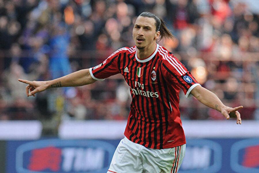 32 maç 28 gol                                                                           2010'da Milan'a kiralanan İbrahimovic, kaldığı yerden gollerini atmaya başladı. Sezon sonunda ise Milan'a satıldı. 2011-2012 sezonunda İbrahimovic, Milan formasıyla 32 maça çıktı ve 28 gol attı.