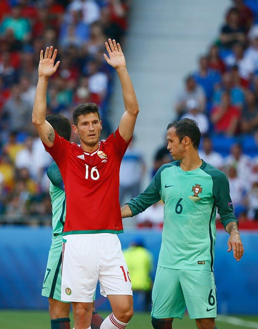 En iyi üçüncü F Grubunda yer alan Portekiz, çıktığı üç maçtan da beraberlikle ayrıldı. Grubu 3 puanla Macaristan ve İzlanda'nın arkasından üçüncülük koltuğunda tamamlayan Portekiz, en iyi üçüncüler arasına girerek bir üst tura çıktı.
