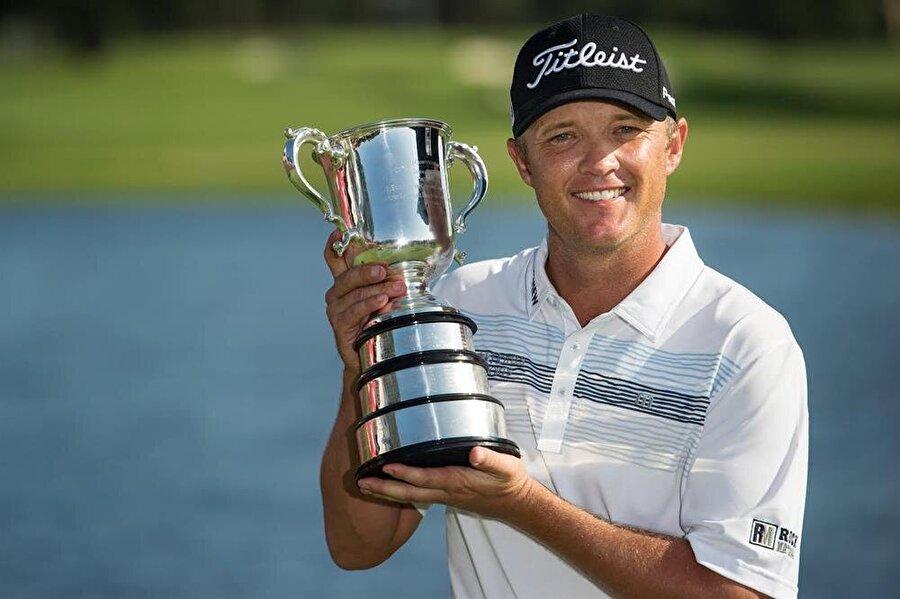 Matt Jones                                                                           Avustralyalı golfçü.