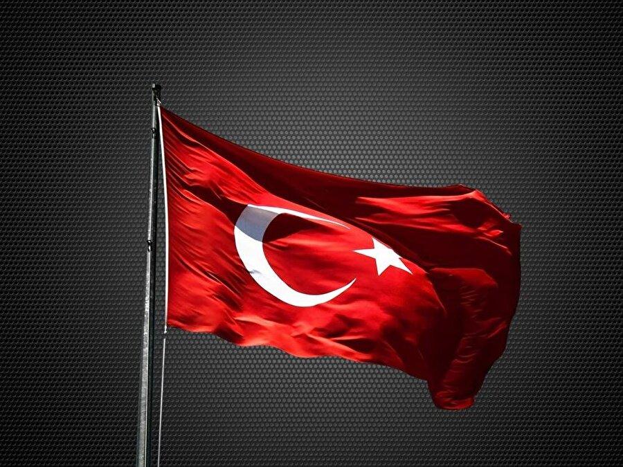 """Gururla """"Ne mutlu Türküm diyene!"""" derler                                                                           Vatan uğruna her yolda, Atatürk'ün sözünü benimseyip gururla """"Ne mutlu Türküm diyene!"""" derler."""