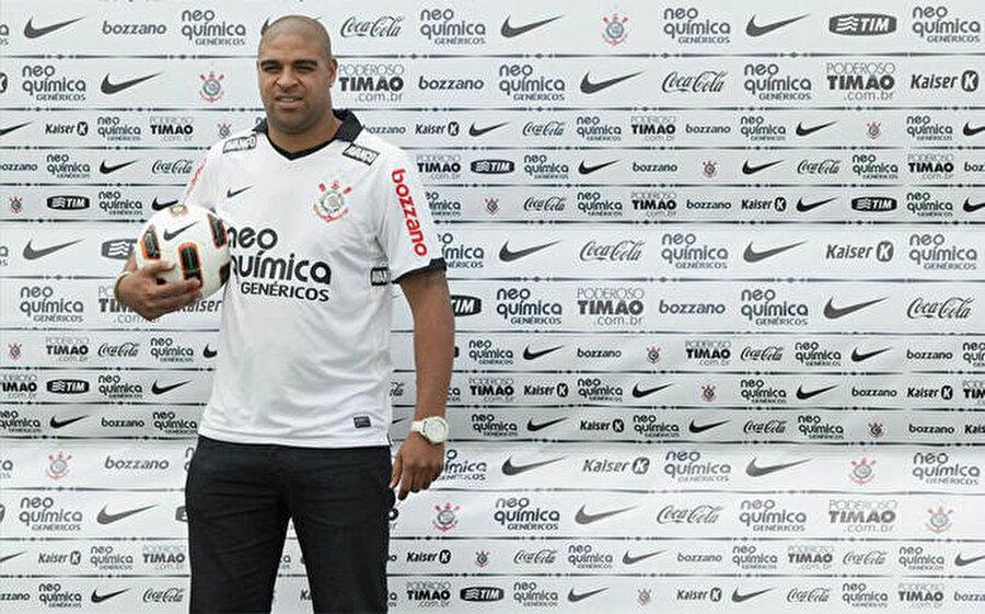 ABD'nin yolunu tuttu 11 Nisan 2014'te Atlético-PR'den ayrılan sambacı 10 Mart 2016'da Miami United ile anlaştı.