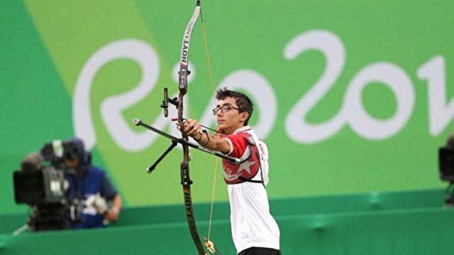 Avrupa Oyunları'nda da sahne aldı                                                                           Türkiye'yi ilk kez, Bakü'de düzenlenen Avrupa Oyunları'nda temsil eden Mete şampiyonayı 641 puanla 46. olarak tamamladı.