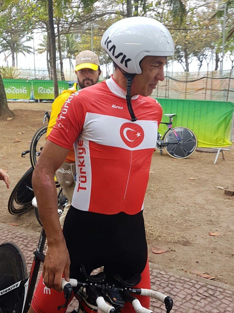 Örken zamana karşı yarıştı! Bisiklet zamana karşı branşında Türkiye'yi temsil eden Ahmet Örken, 34. oldu.