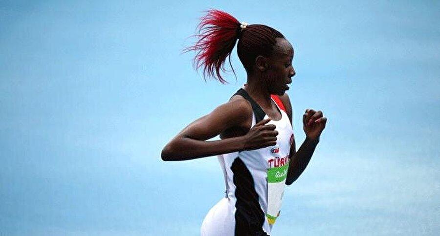 Yasemin Can da finale kaldı                                      Atletizm kadınlar 5 bin metre elemelerinde Yasemin Can, 15:19.50'lik derecesiyle kendi serisinde 2., genel sıralamada 8. oldu. Milli sporcu bu sonuçla adını finale yazdırdı. Kadınlar 5 bin metrede finaller 20 Ağustos Cumartesi TSİ 03.40'da yapılacak.