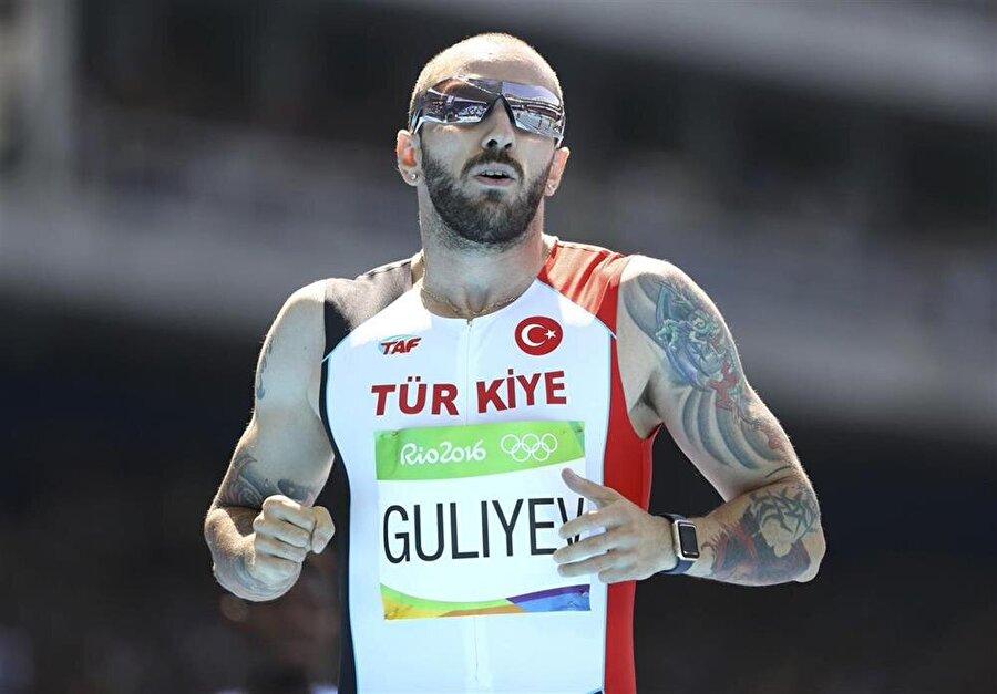 Ramil Guliyev madalya için koşacak                                                                           Dün Rio'da atletizm 200 metre erkekler yarı finali koşuldu. Milli sporcumuz Ramil Guliyev, 20.09'lik derecesiyle kendi serisinde dördüncü, genel sıralamada yedinci oldu. Guliyev elde ettiği sonuçla adını finale yazdırdı. Böylelikle Guliyev, 200 metrede final bileti alan ilk Türk sporcu oldu. Final,19 Ağustos Cuma TSİ 04.30'da koşulacak. Milli sporcumuzun yanı sıra Dünya ve Olimpiyat Şampiyonu Usain Bolt, Andre de Grasse, LaShawn Merritt, Christophe Lemaitre, Edward Alonso, Adam Gemili ve Churandy Martina finalde altın madalyanın sahibi olabilmek için koşacak.