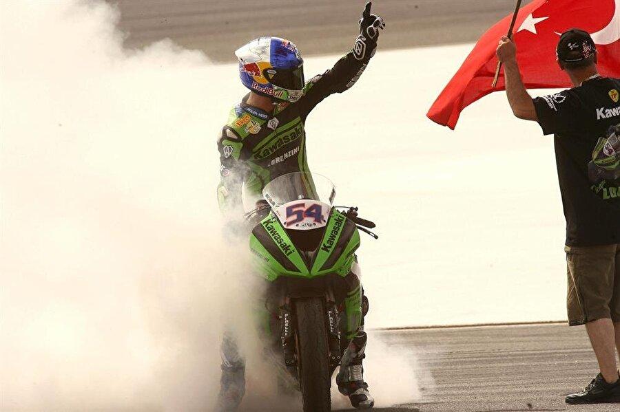 Şampiyonluklar gelmeye başladı                                                                                                                2009'da Kenan Sofuoğlu, Supersport Dünya Şampiyonu oldu.