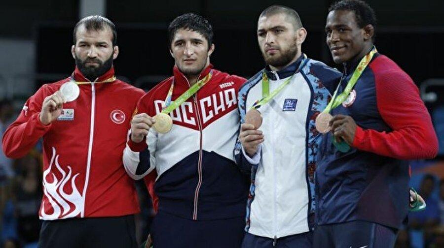 3 madalya kazandırdılar 103 sporcudan 29'u yabancı kökenliydi. Söz konusu sporcular Türkiye'ye 3 madalya kazandırdı.