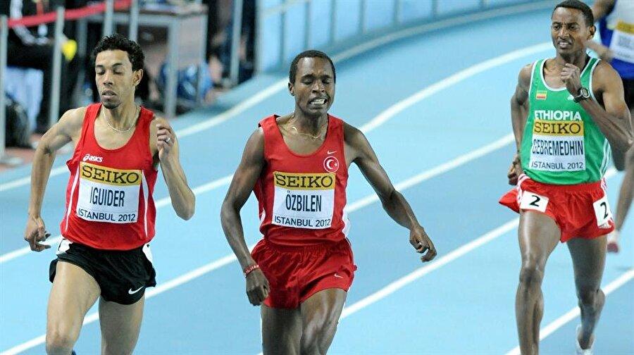 İlham Tanui Özbilen 5 Mart 1990 Kenya doğumlu sporcumuz, orta mesafe koşucusudur. 8 Haziran 2011'de Türk vatandaşlığına geçen William Biwott Tanui, İlham Tanui Özbilen ismini almıştır. Milli sporcu şimdiye kadar Türkiye adına mücadele ettiği turnuvalarda 2 gümüş, 2 altın madalya kazandı.