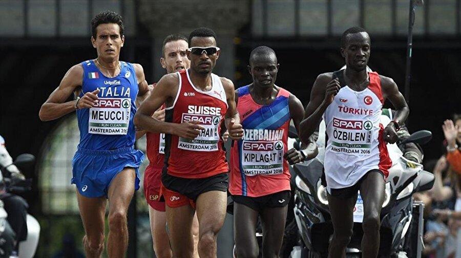 Kaan Kigen Özbilen Mike Kipruto Kigen, Türk vatandaşlığına geçince Kaan Kigen Özbilen ismini aldı. Enka Spor Kulübü forması giyen sporcu, birçok uluslararası turnuvada Türkiye'yi temsil etti. Son olarak Özbilen, Rio'da ki erkekler maratonu finalinde 2:14:11'lik derecesiyle 17. oldu.