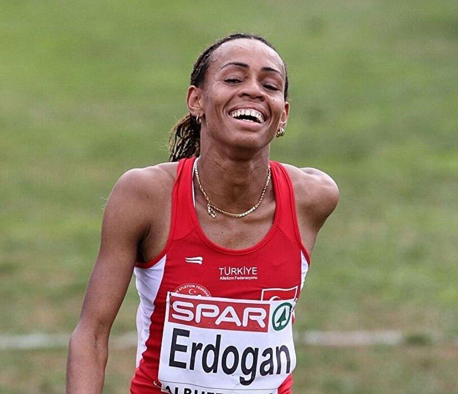 Meryem Erdoğan Kasımpaşa Spor Kulübü forması giyen Meryem Erdoğan, Rio kafilesinde yer aldı. Türk vatandaşlığına geçmeden önce Mariam Tanga ismini kullanan sporcu, kadınlar maraton finalinde 112. oldu.