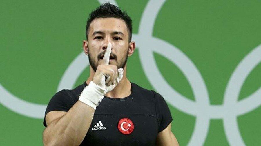 Daniyar İsmayilov  Türkmenistan asıllı Türk halterci Daniyar İsmayilov, Rio'da ülkemiz adına ilk madalyayı alan isim oldu. Sporcumuz, erkekler 69 kiloda toplam 351 kilo kaldırdı ve gümüş madalyanın sahibi oldu.