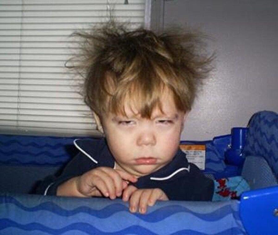 Rahatlayayım diye huzursuz hissetmeyin                                      Rahatlamak ve uykusunu düzene sokmak için enerji içeceklerine sarılanlar yanılıyor; enerji içecekleri sizi rahatlatmak yerine, huzursuz eder. Ayrıca aşırı enerji içeceği tüketimi uyku bozuklukları, anksiyete, migren, sara nöbetleri ve mide bağırsak sistemi ile ilgili rahatsızlıklara da neden olabilir.