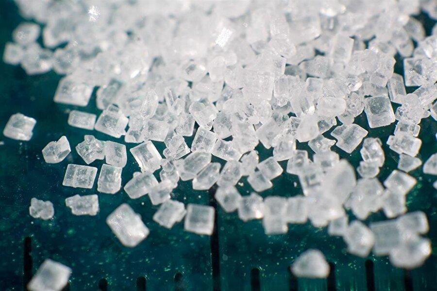 Diyabet hastaları tadına bile bakmasın!                                      İnsülin kullanmanıza gerek yok; eğer diyabet hastasıysanız ya da şeker probleminiz varsa, aşırı şeker içeren kutulanmış enerji içeceklerinden uzak durmaya çalışın. Tadına bile bakmamanızı öneriyoruz.