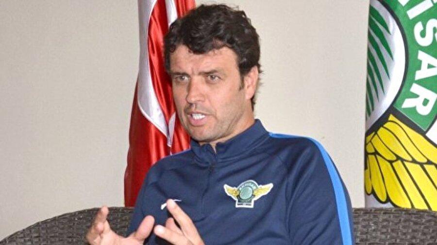 """Arslan'dan ilginç açıklama Arslan """"Türkiye'de Muslera, haksız rekabeti sağlıyor. Muslera çok net golleri çıkardı"""" diye konuştu. Arslan'ın bu sözleri herkesi şaşırttı."""