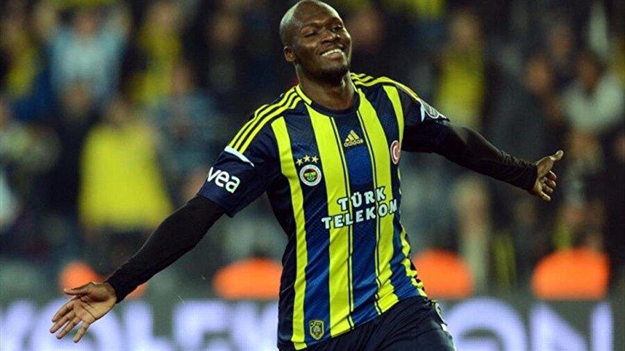 Musa Sow yeniden Fenerbahçe'de                                      Fenerbahçe'de ikinci Moussa Sow dönemi... Sarı Lacivertliler, 2011/2012 sezonunda devre arasında Fransız takımı Lille'den 10 milyon euro karşılığında kadrosuna kattığı Moussa Sow'u Birleşik Arap Emirlikleri takımı Al-Ahli'den 1 yıllığına kiraladığını açıkladı.