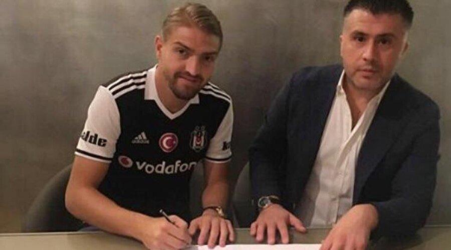 """Caner Erkin Beşiktaş'ta                                      Beşiktaş'ın Inter'den transfer ettiği Caner Erkin, kendisini siyah beyazlılara bağlayan imzayı attı.  Siyah beyazlıların KAP'a yaptığı açıklama şu şekilde:  """"Caner Erkin'in geçici transferi konusunda kulübü Inter ve oyuncunun kendisiyle anlaşmaya varılmıştır.   Inter Kulübü'ne 2016-2017 sezonu için kiralama bedeli ödenmeyecektir.   Oyuncunun transfer haklarının nihai satın alma opsiyonu 1.000.000 Avro olup Şirketimize aittir.   Oyuncuya 2016-2017 sezonunda 1.750.000 Avro garanti ücreti ve 4.000 Avro puanbaşı ücreti ödenecektir."""""""
