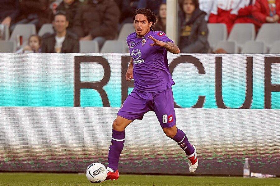 Juan Vargas İtalya liginde başarılı bir grafik çizen Perulu defans oyuncusu Vargas yeni sezonda kendine bir kulüp bulamadı. Başarılı sol bek geçen sezon formasını giydiği Real Betis ile 22 maça çıktı.