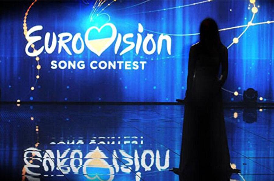 Organizasyonun Kiev'de gerçekleştirileceği kararı alındı Ukrayna Ulusal Televizyon Şirketi Müdürü Zurab Alasaniya yaptığı açıklamada, Eurovision 2017 için organizasyon komitesinin finale kalan Ukrayna'nın şehirleri arasında yaptığı oylamada Kiev'e 19, Odessa'ya ise 2 oy çıktığını bildirdi. Alasaniya, gelecek yıl Ukrayna'da düzenlenecek yarışmanın ev sahipliğini Kiev'in gerçekleştireceğini belirtti. Eurovision 2017 Şarkı Yarışması Kiev'de bulunan Uluslararası Fuar Merkezi'nde yapılacak. Son 5 yılın şampiyonları;