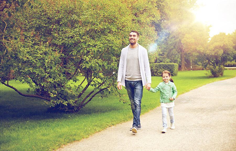 Muhteşem sohbetler Yaşınız kaç olursa olsun babanızla sohbet etmek büyük bir mutluluktur.