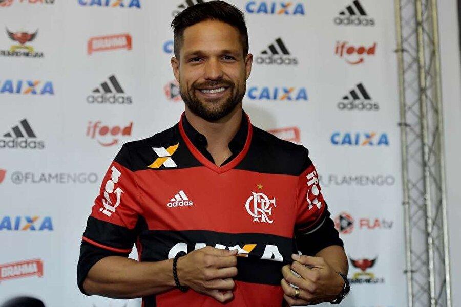 Çabuk alıştı                                      Ülkesine dönen Diego hem Flamengo'ya hem de Brezilya Serie A'ya çabuk ısındı.