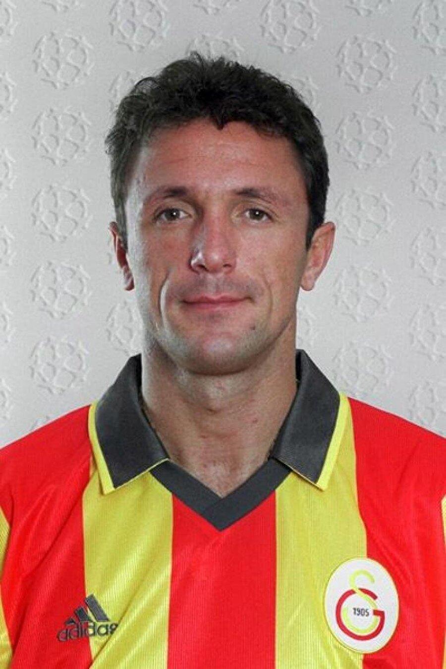 Gheorghe Popescu Rumen futbolcu sırasıyla PSV Eindhoven, Tottenham Hotspur ve Barcelona'da forma giydikten sonra Galatasaray'a imza attı. 1997-2001 yılları arasında Cim-Bom'un başarısı için mücadele eden Popescu 125 maça çıktı. Başarılı stoper sarı-kırmızılı forma altında 3 gol atıp 4 asist yaptı.