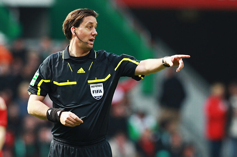 Alman hakem düdük çalacak Türkiye-Ukrayna maçını Almanya Futbol Federasyonu'ndan Manuel Grafe yönetecek.